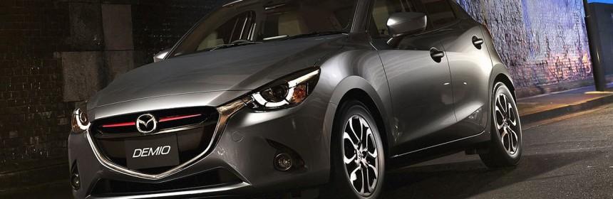 2014-Mazda2-101